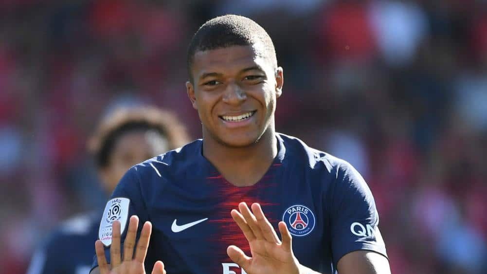 Kylian Mbappe gets a bigger penalty by seeing Red Card in the League one match against Nimes for getting angry.