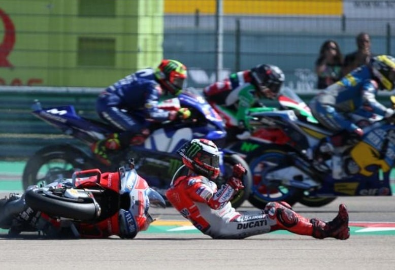 Jorge Lorenzo transferred to hospital after a hard fall in Thailand