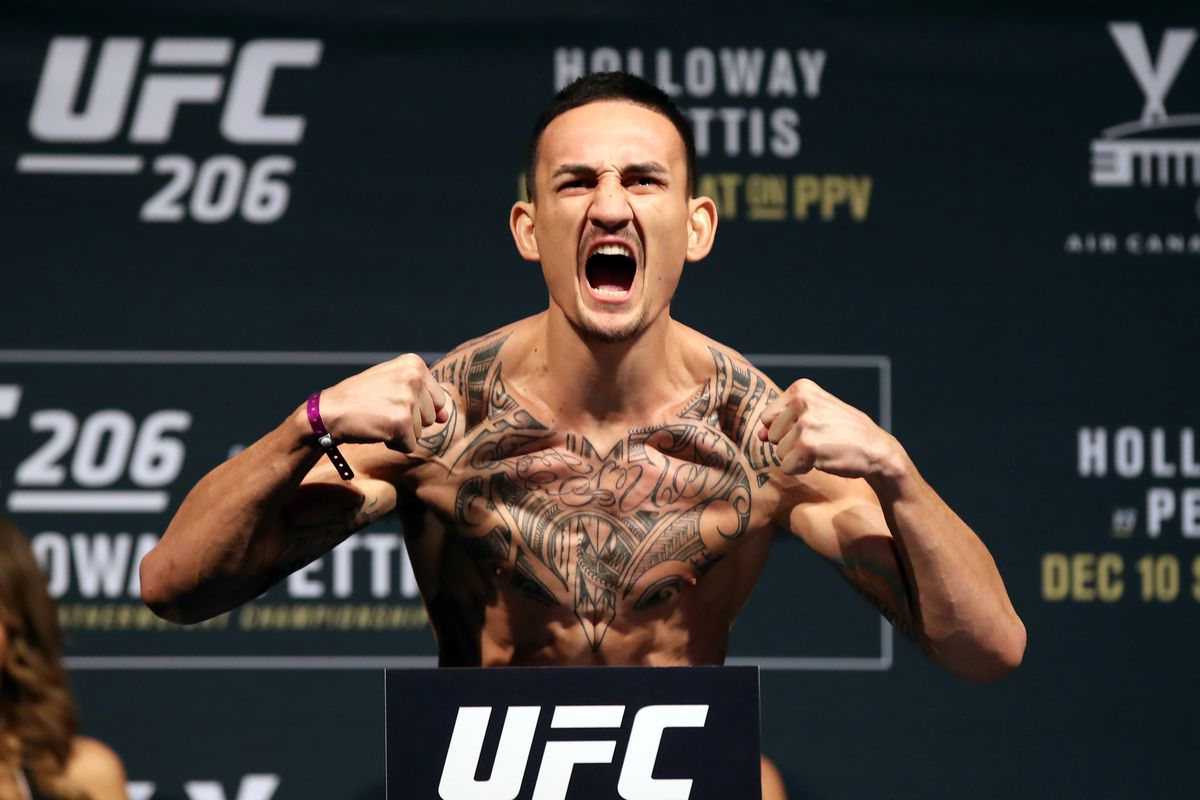 Max Holloway has made weight for UFC 231 and his fight with Brian Ortega is now official