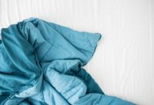 we have compiled some steps that may teach you; how to wash weighted blankets quickly at home. So, read on!