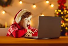 Christmas Movies on Netflix - The Oomph Of Hot Picks!